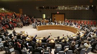 Erster Schritt nach dem historischen Wiener Atomkompromiss: Der UNO-Sicherheitsrat stimmte am Montag einstimmig für die Abschaffung der Sanktionen gegen den Iran.