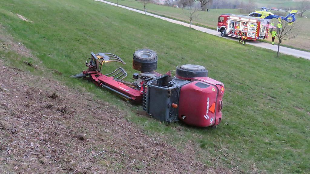 Mann bei Unfall mit Radlader in Freienwil AG tödlich verletzt