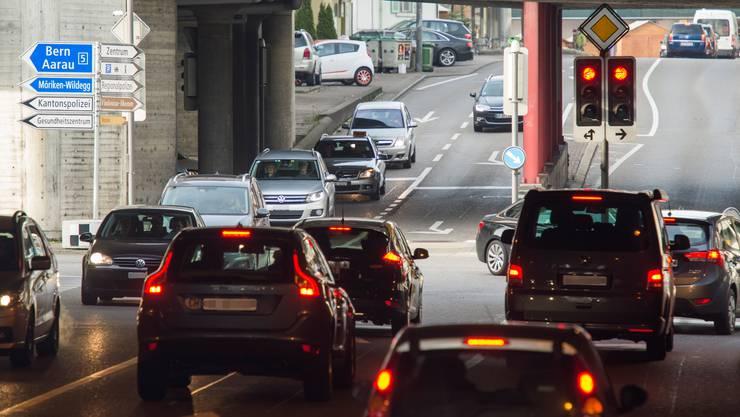 Brugg leidet unter starkem Verkehr (im Bild der Neumarktknoten). Besonders gross ist der Durchgangsverkehr aus dem Unteren Aaretal.