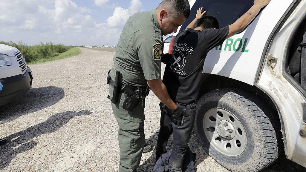 Asyl gibt es nur noch bei offiziellen Grenzübergängen: Die USA verschärfen im Kampf gegen illegale Einwanderer das Asylrecht. (Symbolbild)