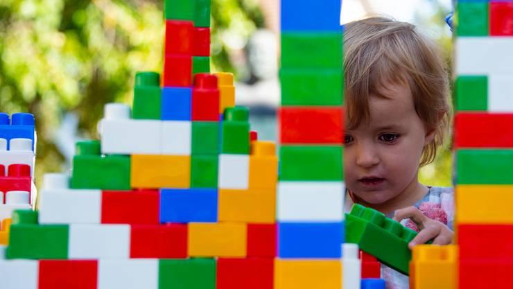 Keine/r ist zu klein, am Bau der Zukunft(sbrücke) mitzuwirken .....
