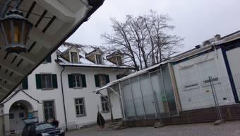 Provisorien erschweren den Alltag im Massnahmenzentrum in Uitikon. Bis Herbst 2014 wird gebaut.  fuo