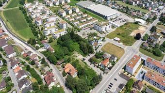 Die Überbauung Leuenfeld in Oensingen aus der Luft. Im nächsten Jahr wird im südlichen Bereich (unten rechts) weitergebaut.