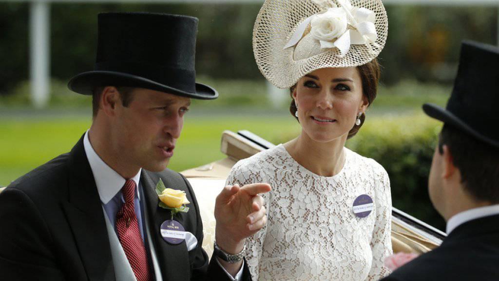 «Deshalb bin ich so dünn»: Prinz William und Herzogin Kate beweisen Humor. (Archivbild)