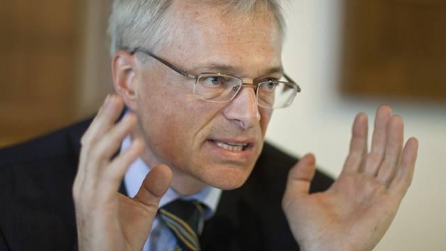 Die Räte debattieren seit geraumer Zeit über die Abzocker-Initiative von Thomas Minder (Archiv)