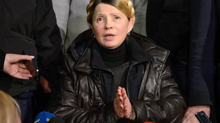 Timoschenko spricht vor Zehntausenden auf dem Maidan