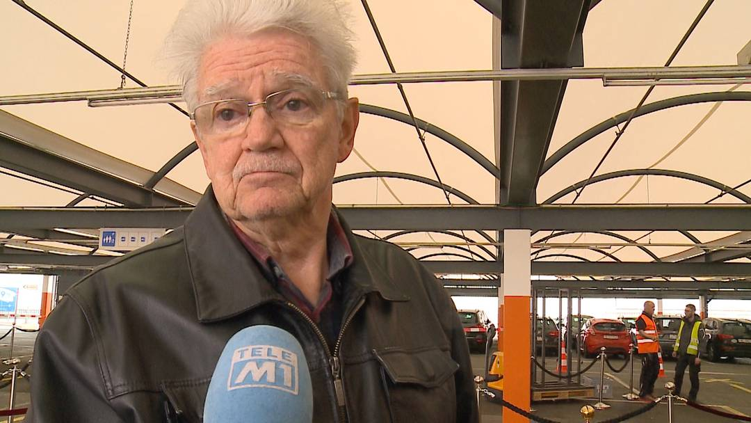 """""""Samstag ist Poschti-Tag!"""": Warum über 65-Jährige weiterhin nicht zuhause bleiben"""