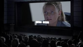 Im Film «Late Shift» entscheidet das Publikum demokratisch per Knopfdruck, wie der Hauptdarsteller sich in kniffligen Situationen entscheiden soll.