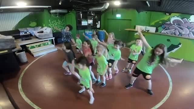 Joujoux Dance-Camp im Grenchner Lindenhaus: Neben Tanzen wird auch gleich für das leibliche Wohl der Teilnehmenden gesorgt.