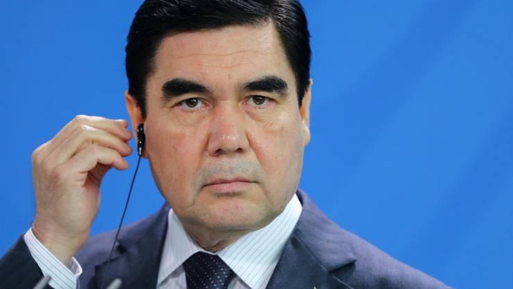Ist auch Regierungs- und Armeechef und kontrolliert Medien und Zivilgesellschaft: Der Präsident Turkmenistans, Gurbanguly Berdimuhamedow. (Archiv)