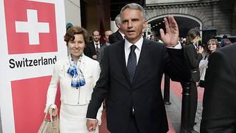 Bundesrat Didier Burkhalter mit Gattin zu Besuch in London.