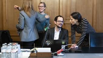 Regula Tschanz (r.) im Gespräch mit Balthasar Glättli, dem designierten neuen Präsidenten der Grünen Schweiz.