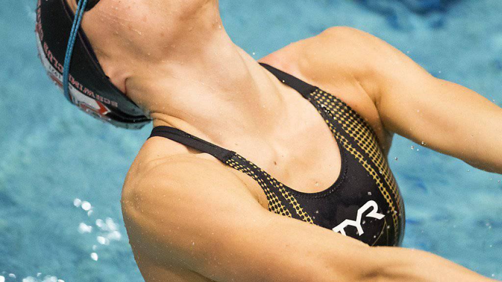 Die Bündnerin Svenja Stoffel schwamm in Lausanne über 100 m Rücken Schweizer Rekord