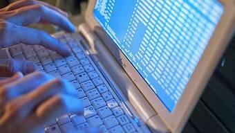 Die Kantonspolizei soll im Bereich der Bekämpfung von Cyberkriminalität Verstärkung bekommen.