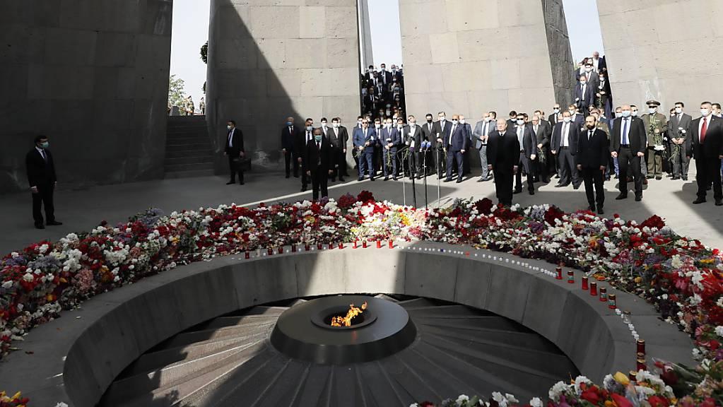 Eine Gedenkveranstaltung in Jerewan anlässlich des 106. Jahrestages des Massakers an den Armeniern während des Ersten Weltkriegs.
