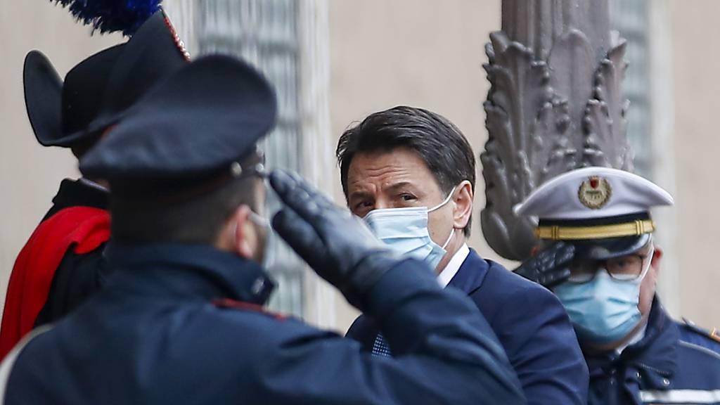 Italiens Ministerpräsident Giuseppe Conte reicht Rücktritt ein