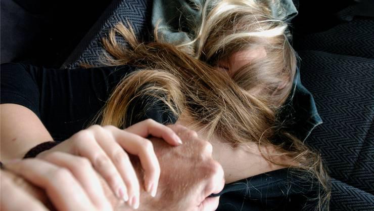 Der Angeklagte bedrohte und beschimpfte seine Opfer. Die Sexualdelikte konnten ihm hingegen nicht nachgewiesen werden.