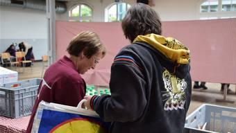 In der Bleichi in Wohlen werden seit fünf Jahren j Lebensmittel an armutsbetroffene Kunden verteilt. Bild: Lyne Schuppisser