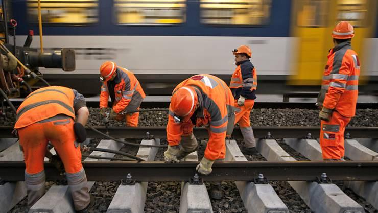 Die Schweizer Bahnen haben zu lange zu wenig in den Unterhalt investiert. Nun braucht es zusätzliches Geld. (Archivbild)
