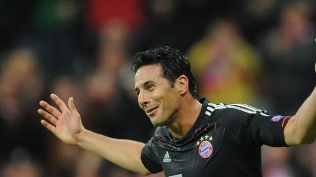 Claudio Pizarro gegen Lille mit lupenreinem Hattrick.