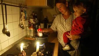 Kann in Derendingen nicht passieren: Haushalten mit Kleinkindern wird der Strom trotz ausstehender Rechnung nicht abgestellt.(Symbolbild)