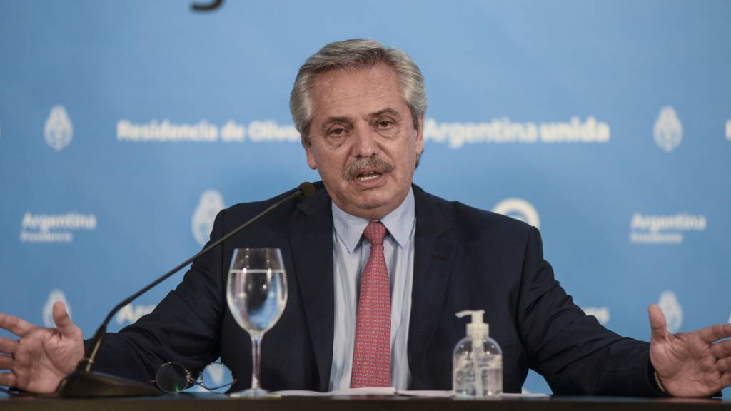 Alberto Fernandez, argentinischer Präsident, spricht bei einer Pressekonferenz.
