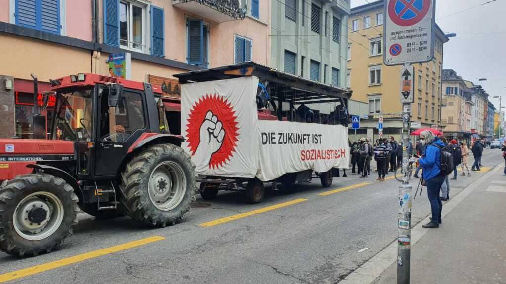 1.-Mai-Demos halten Polizei auf Trab