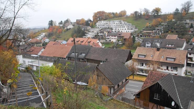 An der nächsten Gemeindeversammlung in Würenlingen gehts um den Ausbau der Endingerstrasse und um den Bau einer neuen Ballsporthalle.