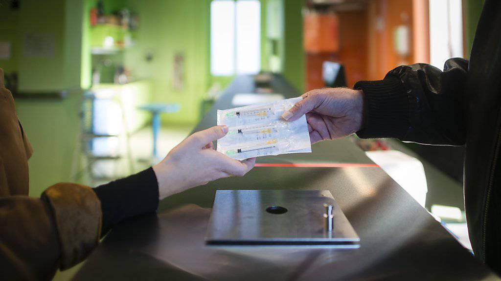 Eine kontrollierte Drogenabgabestelle gibt es heute in acht Schweizer Städten. Lausanne nimmt nun nach einer Abstimmungsniederlage von 2007 einen neuen Anlauf. (Symbolbild)