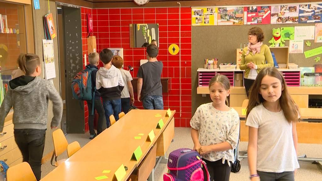 Nicht nur Lehrer sondern auch Schüler freuen sich über Schulbeginn