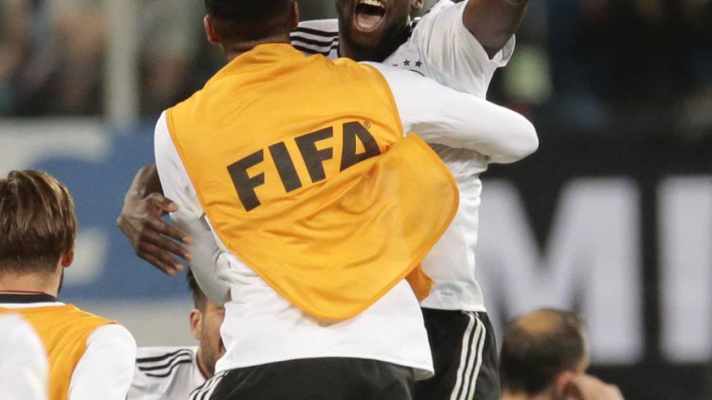 Chelseas Neuzugang Antonio Rüdiger jubelt für Deutschland am Confederations Cup