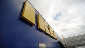 IKEA, Otto's, MediaMarkt und wie sie alle heissen: Wann und wo eröffneten diese Grossfirmen eigentlich ihren ersten Laden in der Schweiz? Im Bild: Ikea Spreitenbach.
