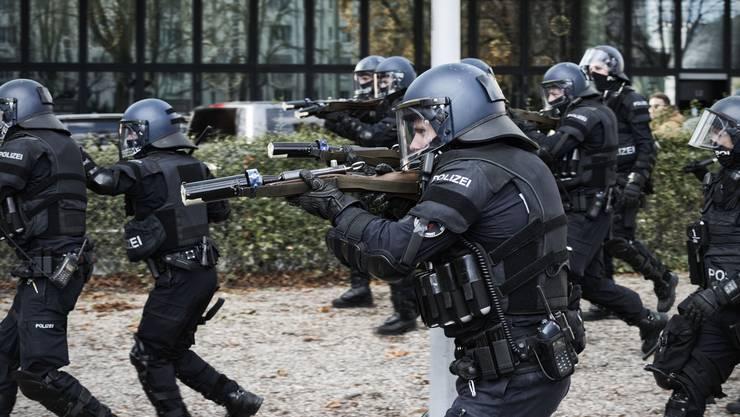 Die Polizei setzte an der Demonstration auch Gummigeschosse ein.