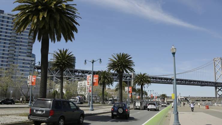 San Francisco von seiner Sonnenseite: Der Tech-Boom hat tausende Arbeitsplätze und Millionäre gebracht. Aber explodierende Mieten und Obdachlose zeigen auf der anderen Seite die Schattenseiten dieser Entwicklung. (AP Photo/Eric Risberg)