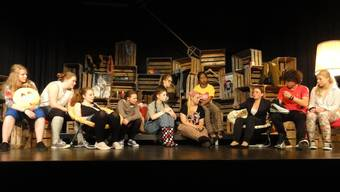 Eine Schülergruppe der Kreisschule Homberg zeigt im TaB das Stück «Albanisch für Anfänger».