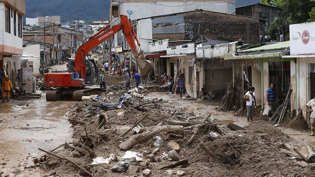 Hat die Stadt Mocoa nach dem Unglück bereits zweimal besucht: Kolumbiens Präsident Juan Manuel Santos verspricht stabilere Häuser.