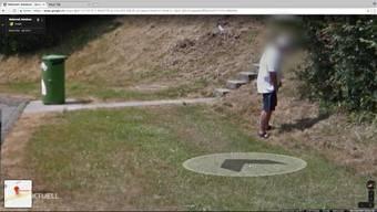 """Gesichter von Passanten werden auf Google Street View automatisch """"verpixelt"""". Doch in manchen Fällen sei dies unzureichend, sagen Datenschützer. So auch beim Herren, der sich am Rastplatz Walterswil beim Busch erleichterte. Was können Betroffene dagegen machen?"""