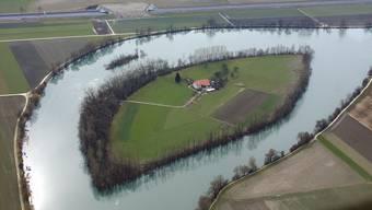 Einzigartig: Die von Familie Antener bewohnte Aareinsel in Selzach, rund 5 km aareaufwärts von Solothurn