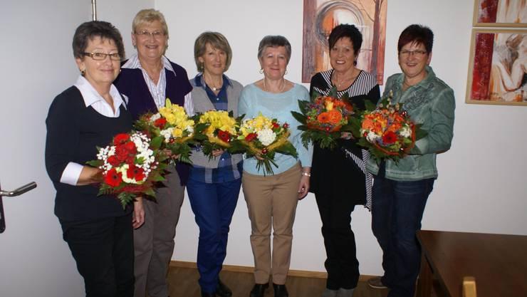 die Jubilarinnen v.l. Claire Michel (25 Jahre) Christa Fust, Claire Meier, Silvia Burkard (25 Jahre) Margrit Müller, Silvia Gygax (40 Jahre)