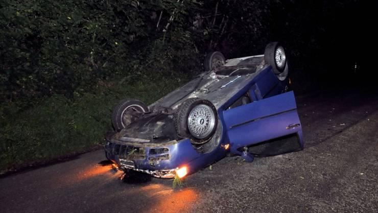 Das Auto erlitt Totalschaden, der Fahrer wurde nur leicht verletzt.