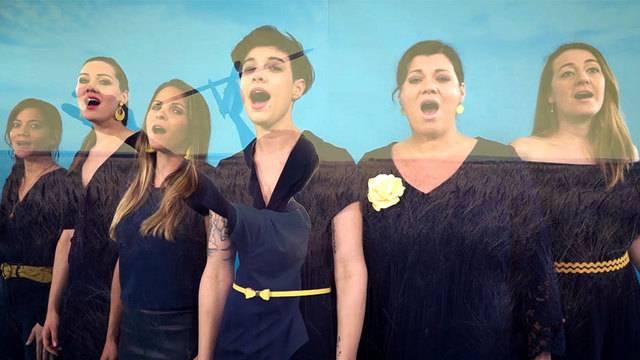 Hausfrauen gründen Girl-Group – sehen Sie hier die Sendung «TalkTäglich» mit Deborah, Catrhryn und Tabea in voller Länge.