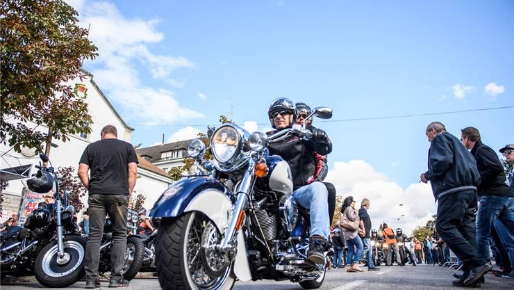 Anrollen vor der HESO – diesmal waren es 250 Harleys weniger als im letzten Rekordjahr.