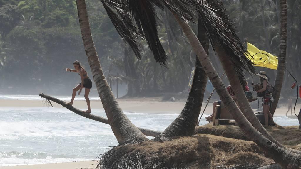 Besucher sitzen seit März an einem Strand in Panama fest