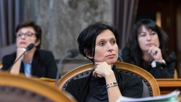 Sie stehen vor ihrer letzten Session im Bundeshaus: Die SP-Ständerätinnen Pascale Bruderer (AG, vorne), Anita Fetz (BS, links im Hintergrund) und Géraldine Savary (VD).