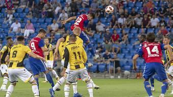 Die Szene des Spiels: Der Basler Albian Ajeti erzielt per Kopf das einzige Tor des Spiels