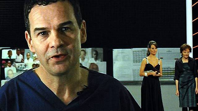 René Prêtre wird bei der Verleihung live von Mosambique zugeschaltet