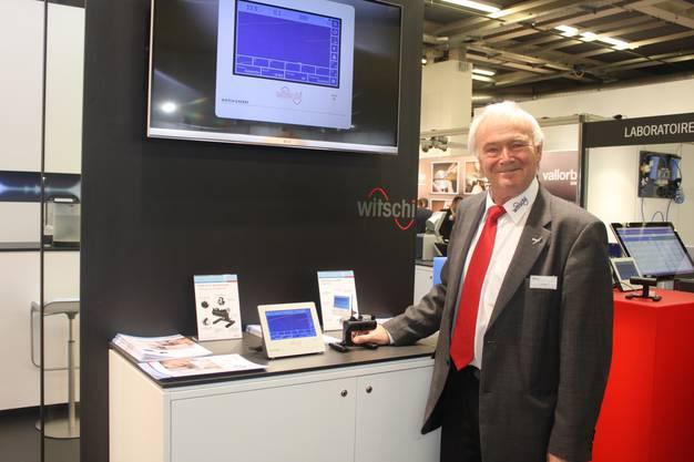 Urs Häni von der Bürener Messgeräteherstellerin Witschi präsentiert eine neue Gerätegeneration