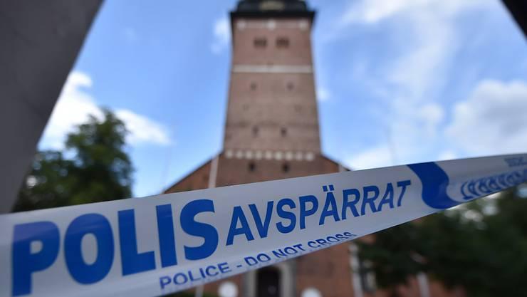 Unbekannte haben aus der Kathedrale von Strängnäs haben zwei Kronen aus dem 17. Jahruhundert und einen Reichsapfel gestohlen.