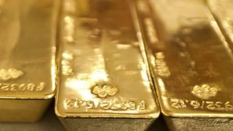 Bauarbeiter haben auf einem Privatgrundstück in der Stadt Passau Gold im Wert von mehreren hunderttausend Euro gefunden. (Symbolbild)