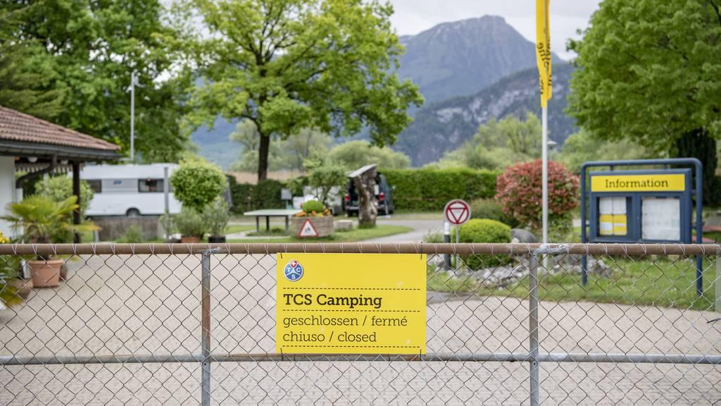 Campingplätze dürfen über Auffahrt Gäste empfangen